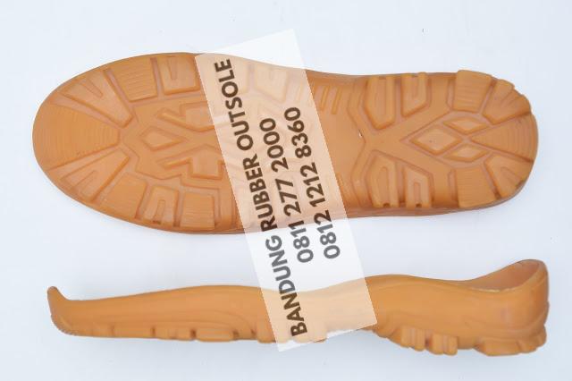 sol sepatu karet 82